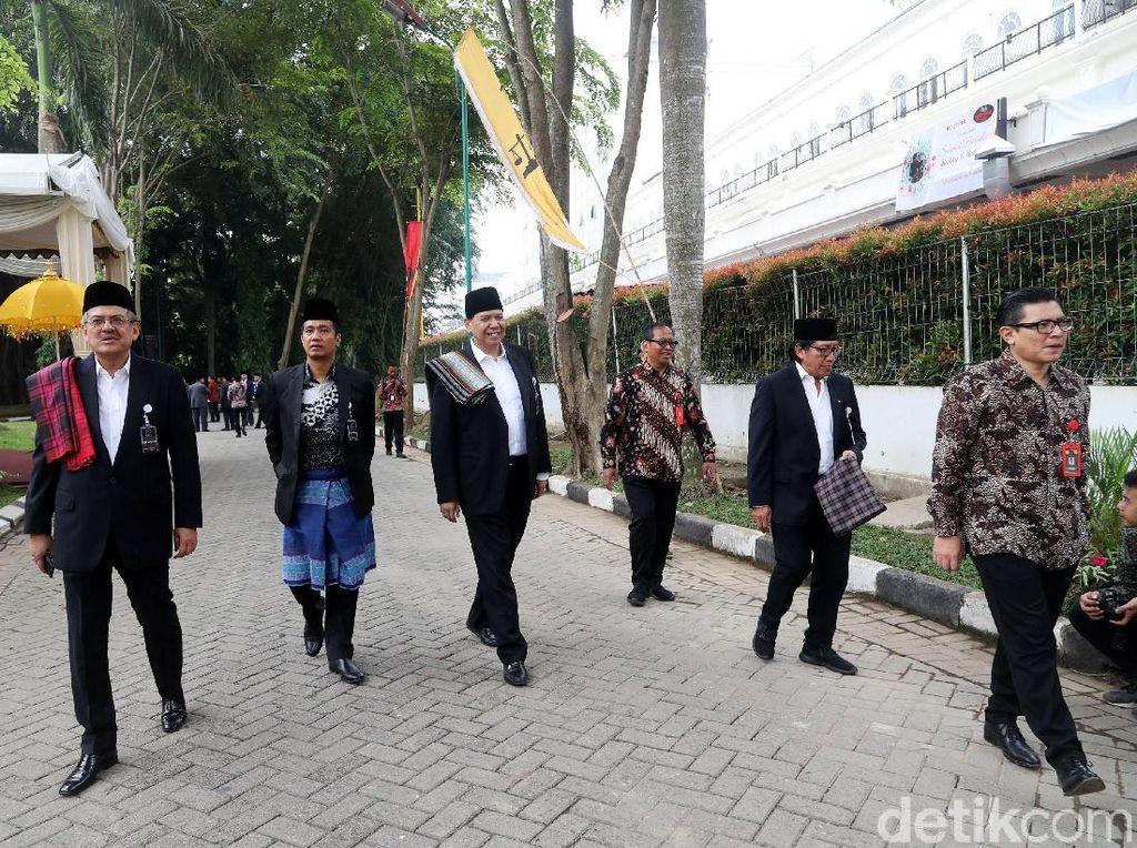Chairul Tanjung Hadiri Puncak Pesta Adat Kahiyang-Bobby