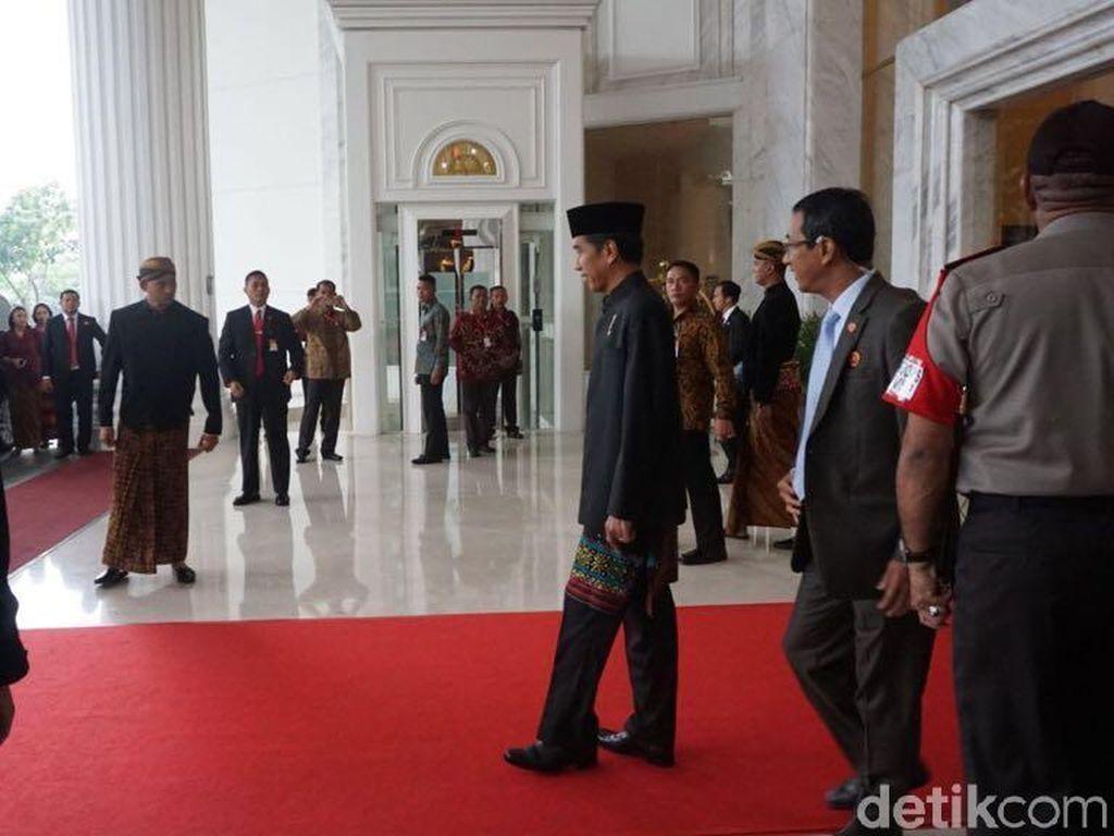 Jokowi, Iriana dan Ibunda Berangkat ke Lokasi Kirab Kahiyang-Bobby