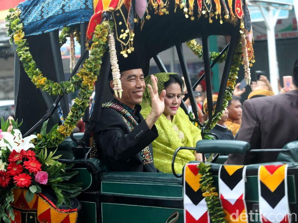 Rangkaian Pernikahan Kahiyang Selesai, Jokowi: Tinggal Kerja!