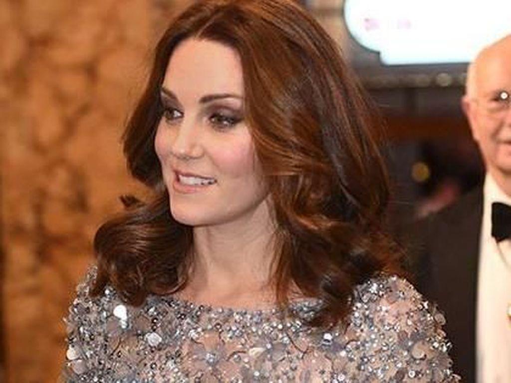 Terungkap Cara Kate Middleton Sembunyikan Tali Bra Saat Pakai Baju Transparan
