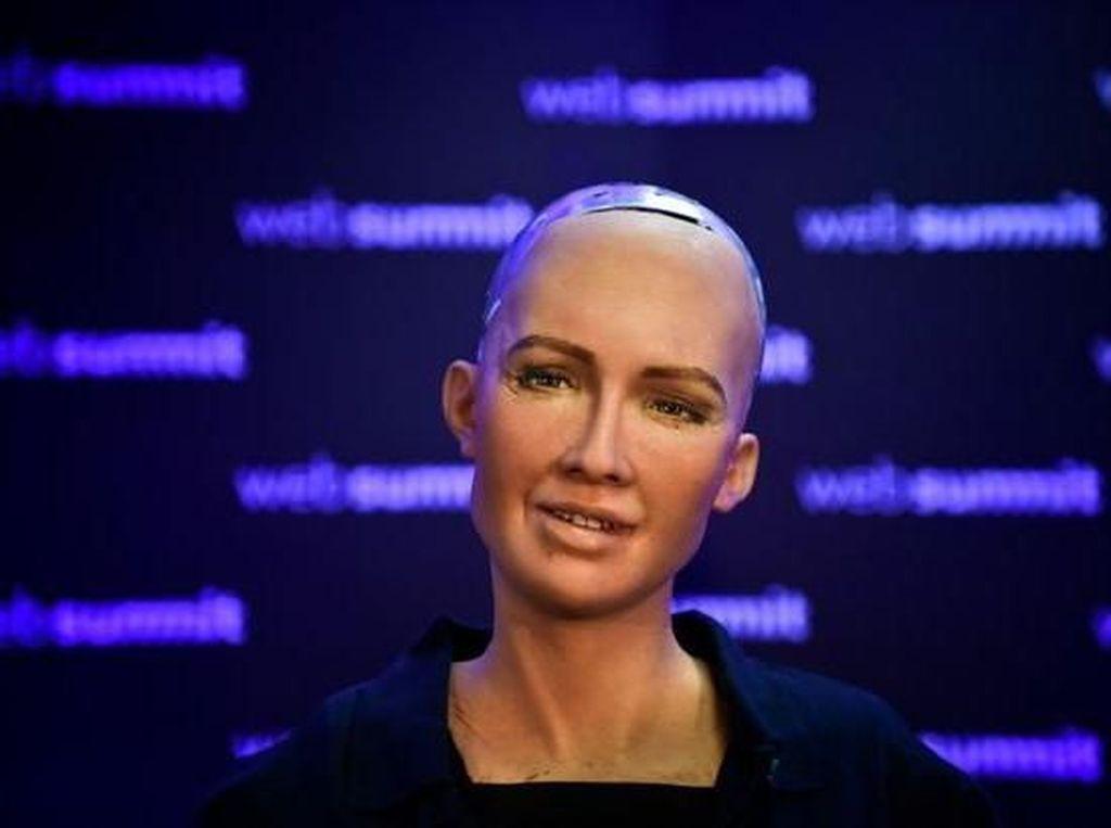 Kecanggihan Sophia, Robot yang Akan Ngobrol dengan Jokowi