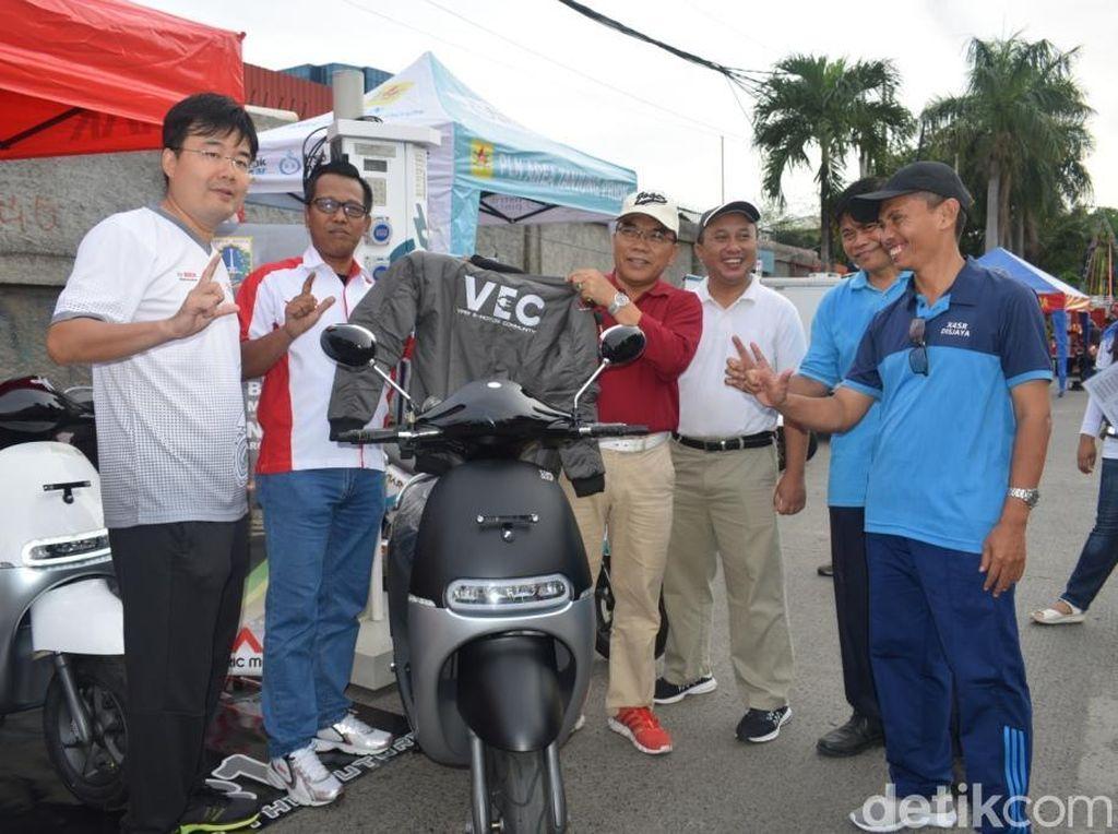 Wali Kota Jakut Kepincut Motor Listrik