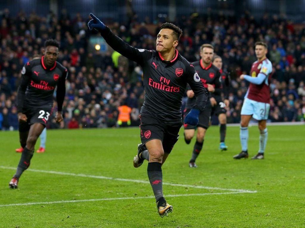 Penalti Sanchez di Detik-Detik Terakhir Menangkan Arsenal