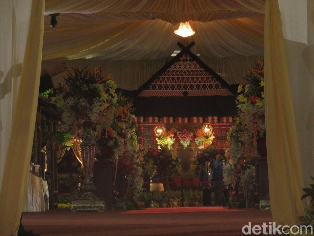 Ini Pelaminan untuk Resepsi Kahiyang-Bobby di Medan