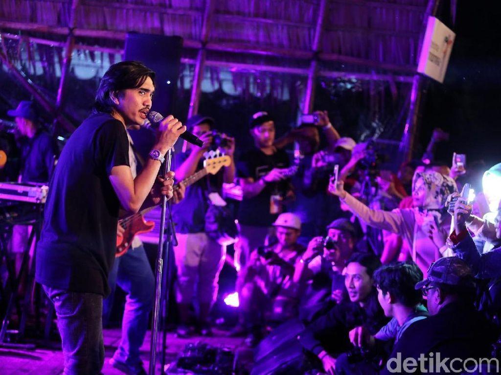 Kata Adam Sheila On 7 soal Konser Didatangi Polisi dan Diminta Setop