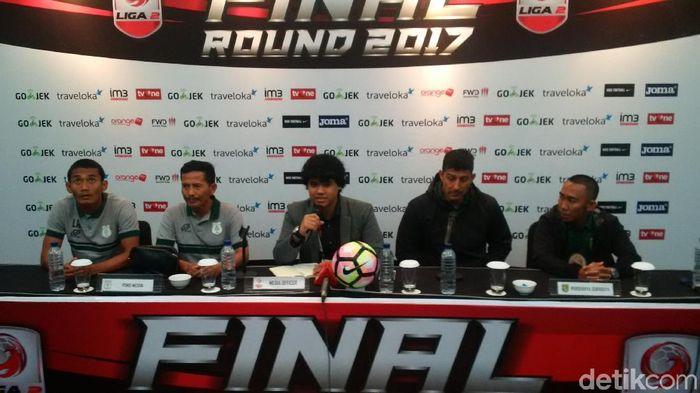 Konferensi pers menjelang final Liga 2 2017 antara PSMS Medan dengan Persebaya Surabaya. (Mochamad Solehudin/detikSport)