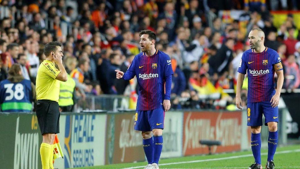 Meme-meme Lucu Gol Hantu Messi ke Gawang Valencia