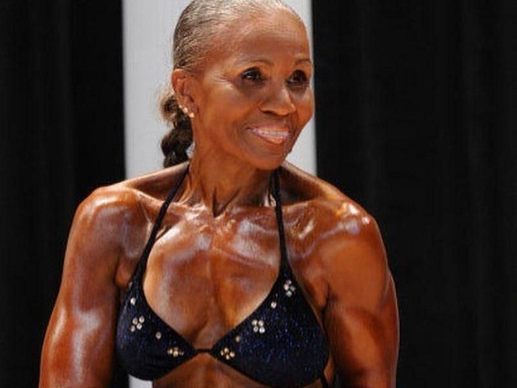 Kenalkan, Ernestine Shepherd Sang Body Builer Wanita Tertua di Dunia