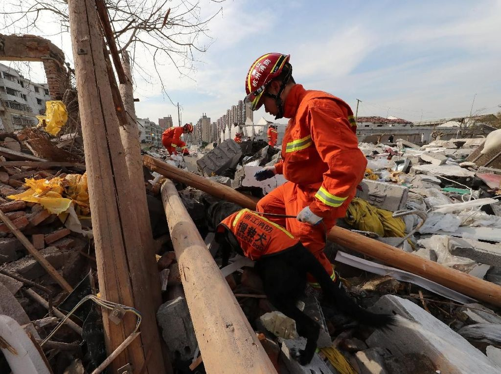 Ledakan Besar Hancurkan Bangunan di Kota Ningbo China, 2 Orang Tewas