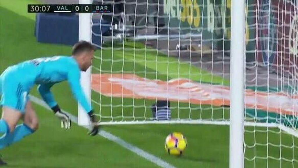 Gol Telak Messi yang Tidak Disahkan Wasit