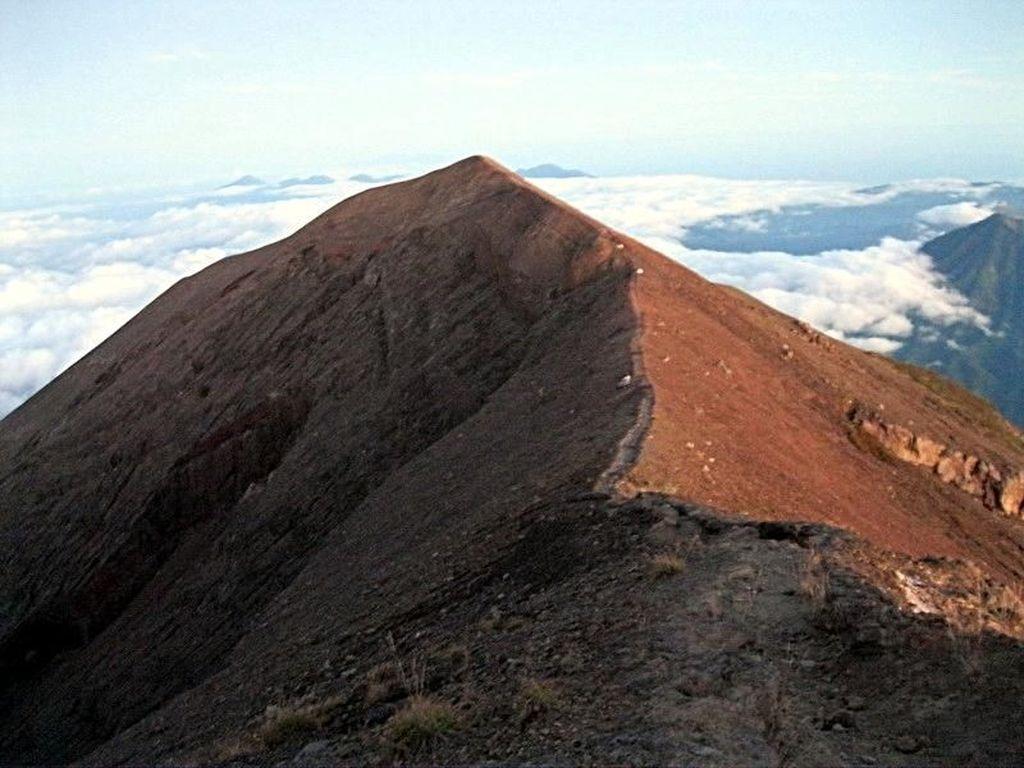 Foto: Mengenang Keindahan Gunung Agung Sebelum Erupsi