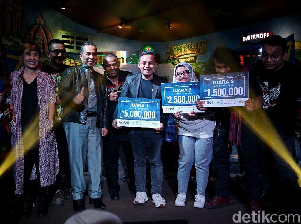 Melihat Keseruan Grand Final Festival Karaoke Korporasi dan Media