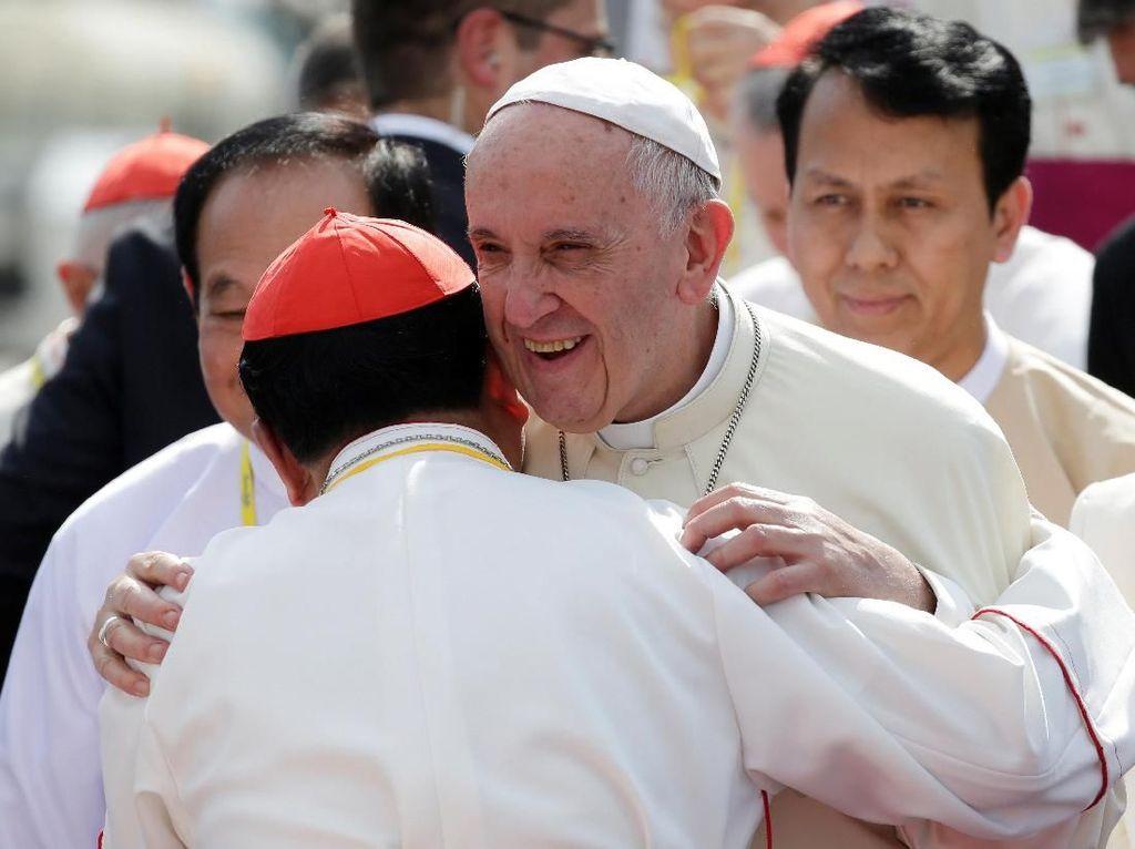 Kata Jenderal Myanmar ke Paus Fransiskus: Tak Ada Diskriminasi Agama