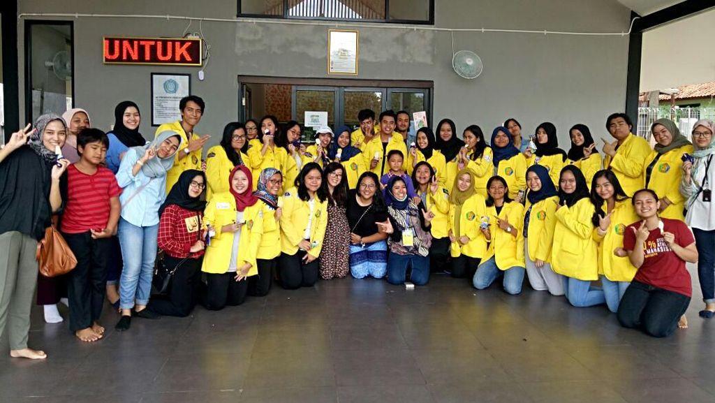 Melihat Indonesia dari Dekat