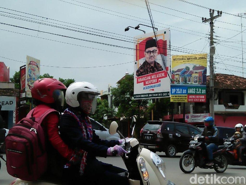 Jelang Pilgub Jateng, Baliho Cagub Bertebaran di Rembang