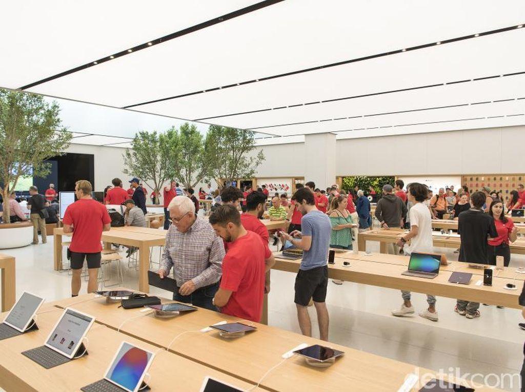 Wabah Corona Paksa Apple Tutup Toko di Italia