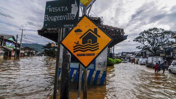 Pemerintah Modifikasi Cuaca Hindari Hujan Lebat Jabodetabek
