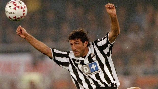 Napoli vs Juve di Mata Ferrara yang Pernah Bela Keduanya