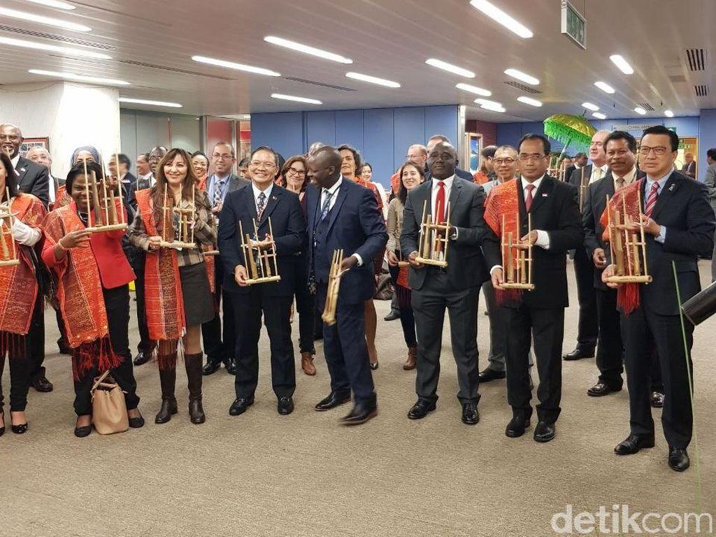 Saat Delegasi Negara IMO Asyik Bermain Angklung Bersama di London