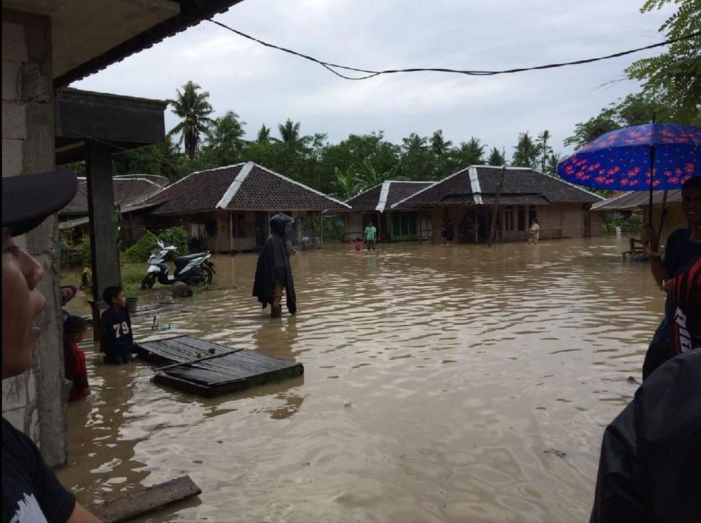 Banjir Rob Terjang Agrabinta Cianjur, 1 Korban Tewas 1 Hilang