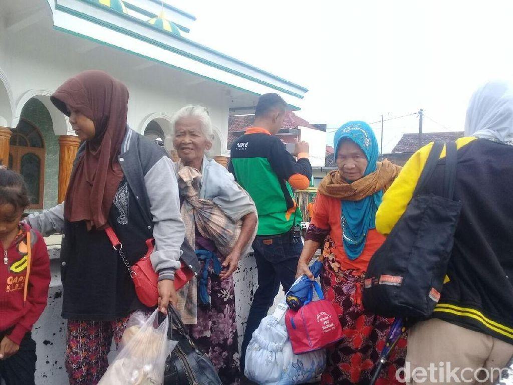 Pengungsi Akibat Banjir Ponorogo Capai Ratusan Jiwa