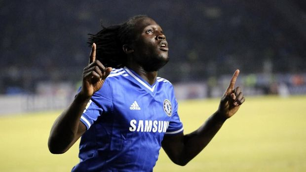 JAKARTA, INDONESIA - JULY 25:  Romelu Lukaku of Chelsea celebrates scoring a goal during the match between Chelsea and Indonesia All-Stars at Gelora Bung Karno Stadium on July 25, 2013 in Jakarta, Indonesia.  (Photo by Stanley Chou/Getty Images)