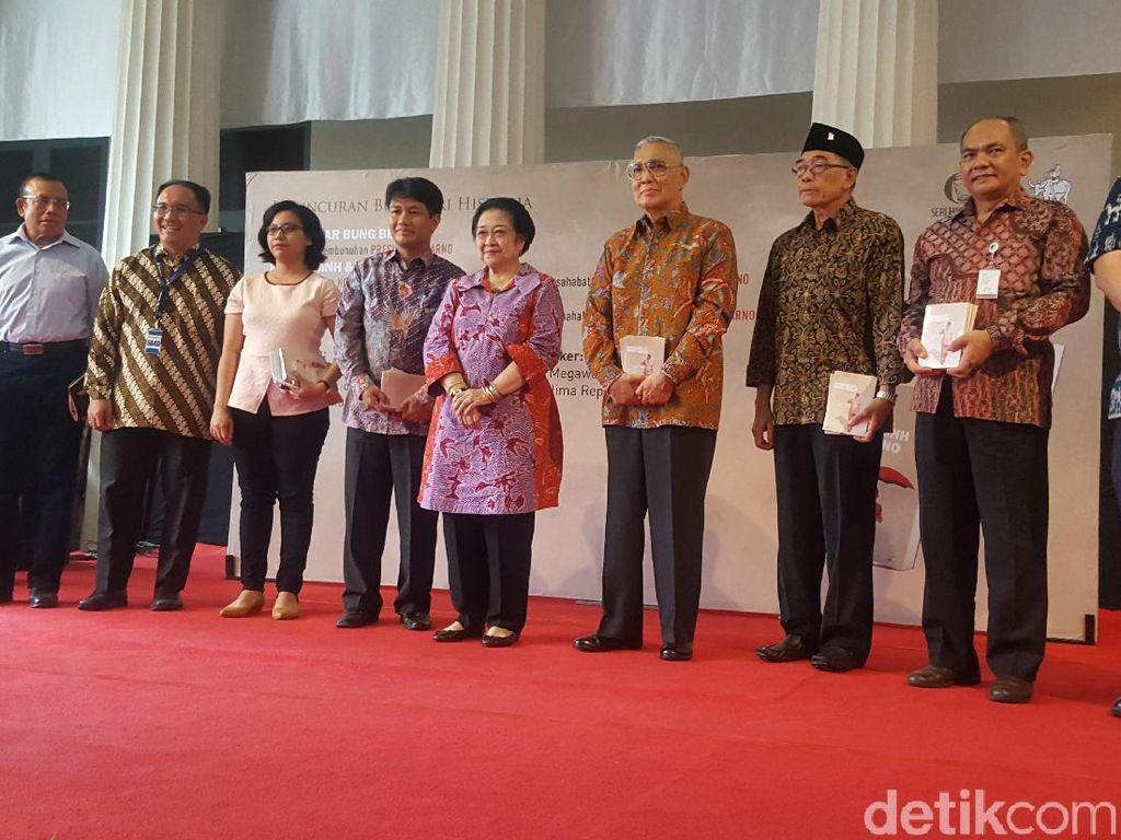 Saat Megawati Sapa Gubernur Djarot di Peluncuran Buku Bung Karno