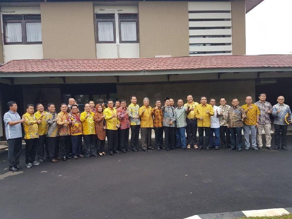 Sstt... DPD I Golkar Kumpul Bahas Munaslub