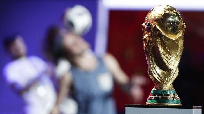 Ada sejumlah tahapan dari FIFA sebelum sebuah negara bisa menjadi calon tuan rumah Piala Dunia. (Foto: Sergei Karpukhin/REUTERS)
