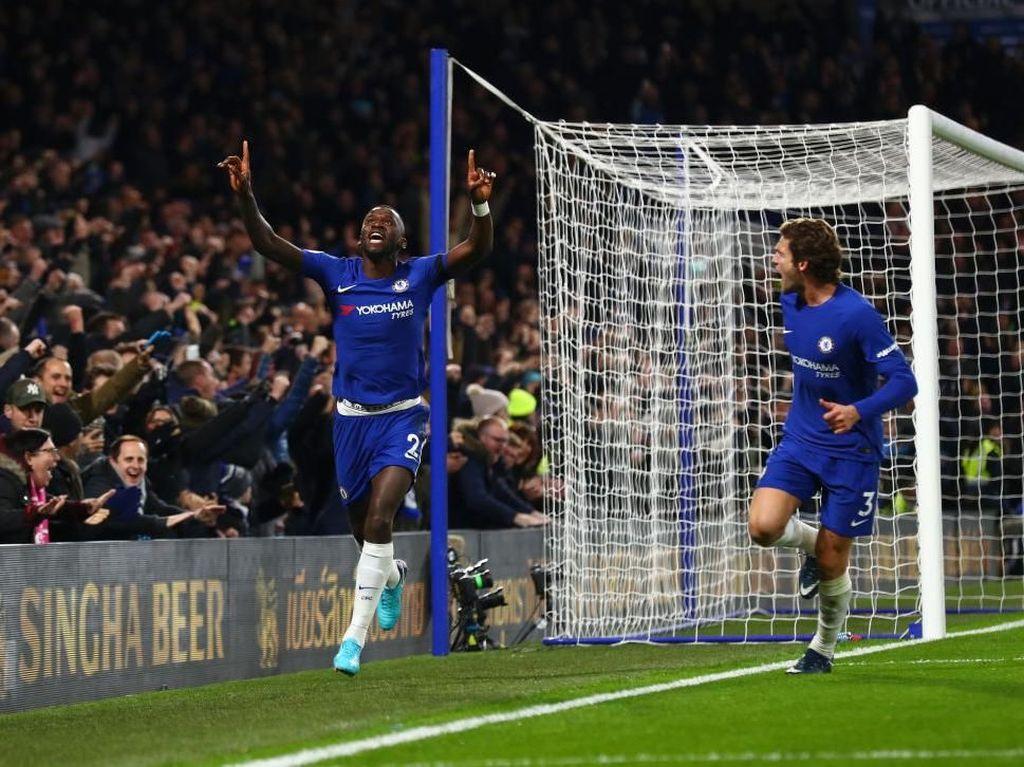 Chelsea Atasi Swansea 1-0