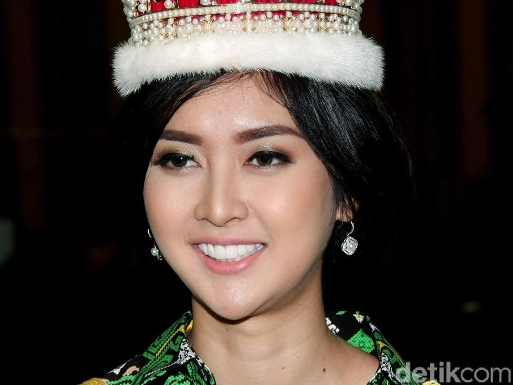Foto: Pesona Kecantikan Kevin Liliana, Juara Miss International 2017