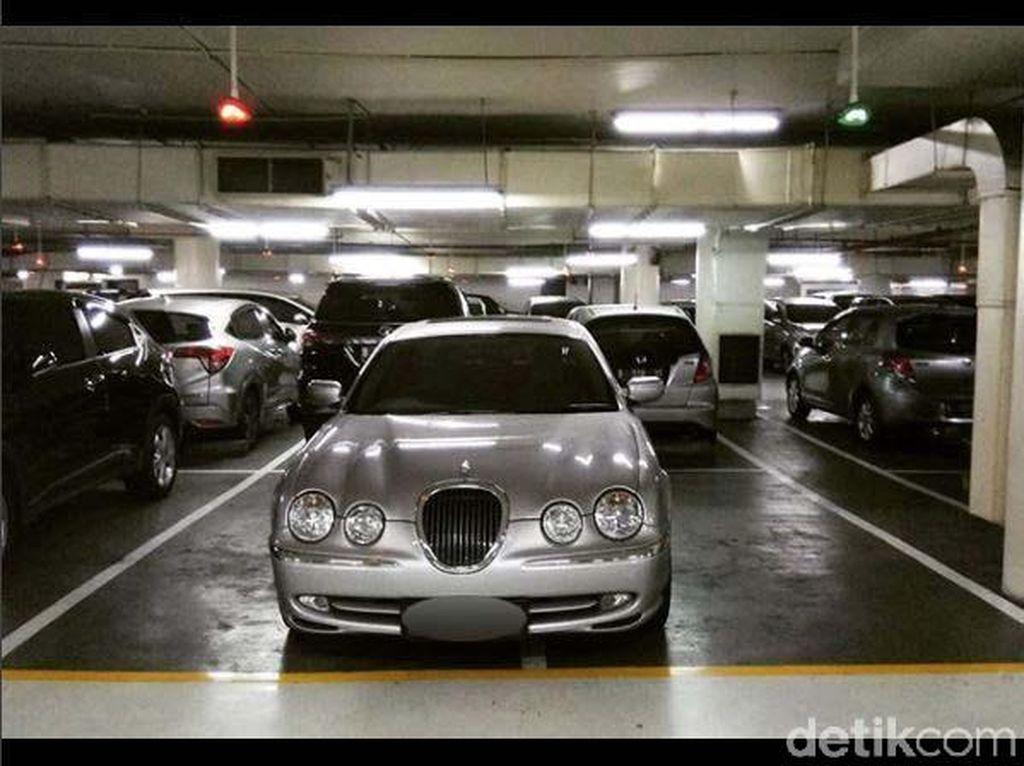 Parkir Asal-asalan yang Bikin Jengkel