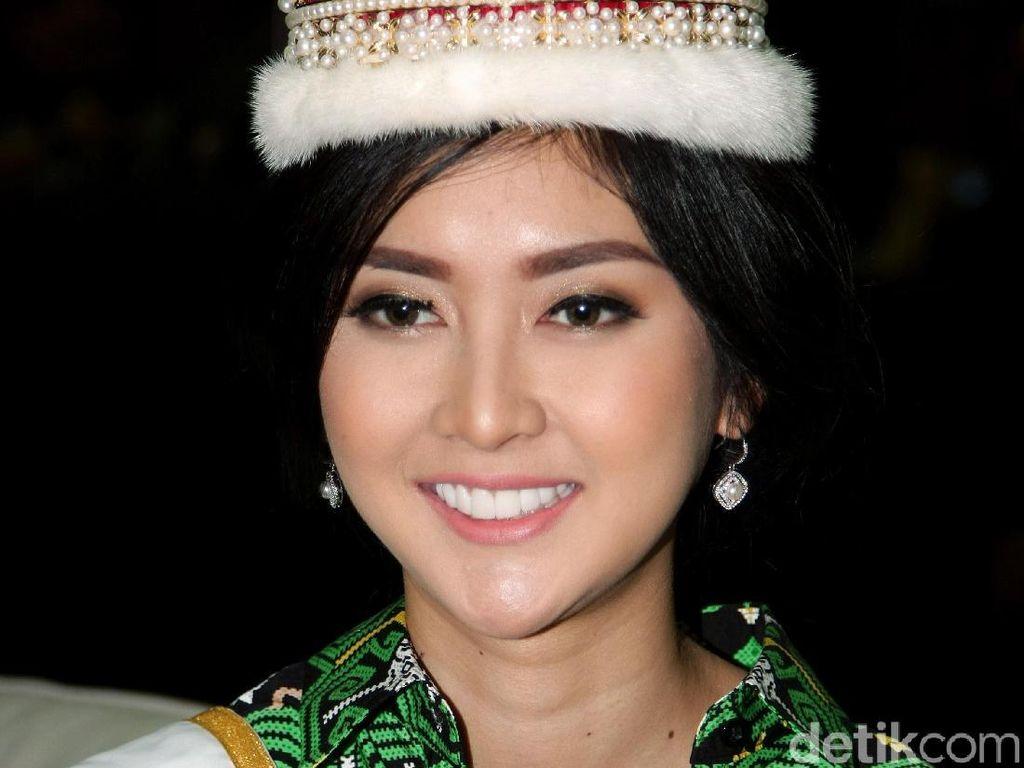 Foto: Pesona Kecantikan Kevin Liliana, Juara Miss International 2017
