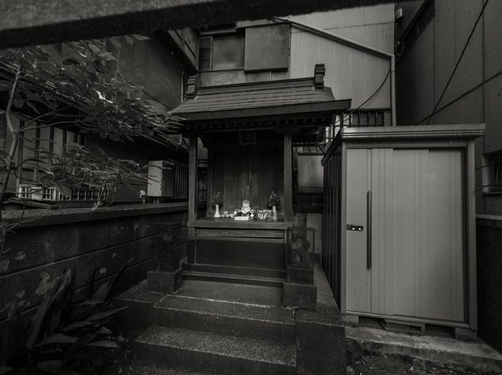 Aneh, Ternyata Ada Kuil Misterius di Tengah-tengah Akihabara