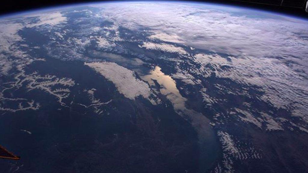 Rusia Sodorkan Pemandangan Mengagumkan Bumi Bulat