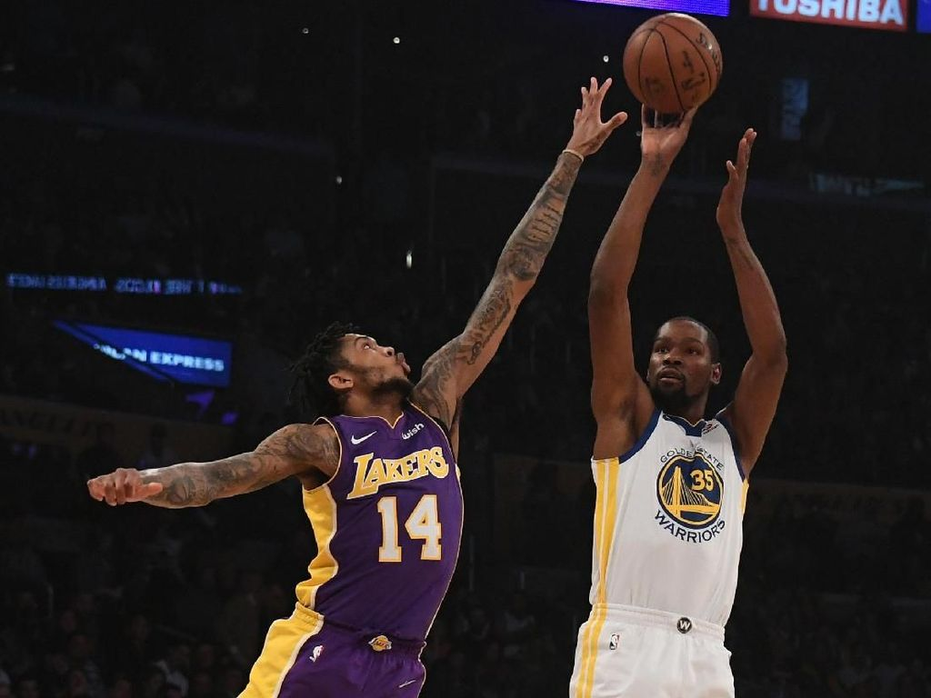Durant dan Curry Main Lagi, Warriors Kalahkan Lakers