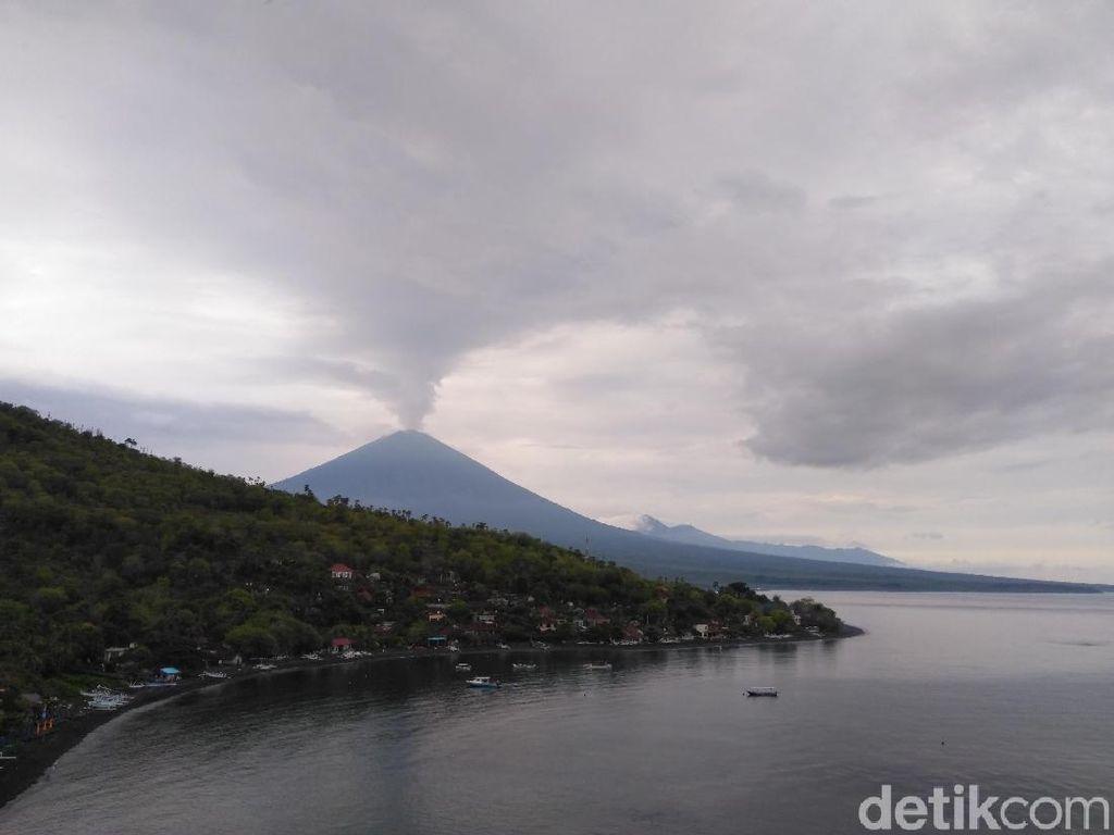 Ada Abu Gunung Agung, AirAsia Hanya Terbang Siang Hari dari Bali