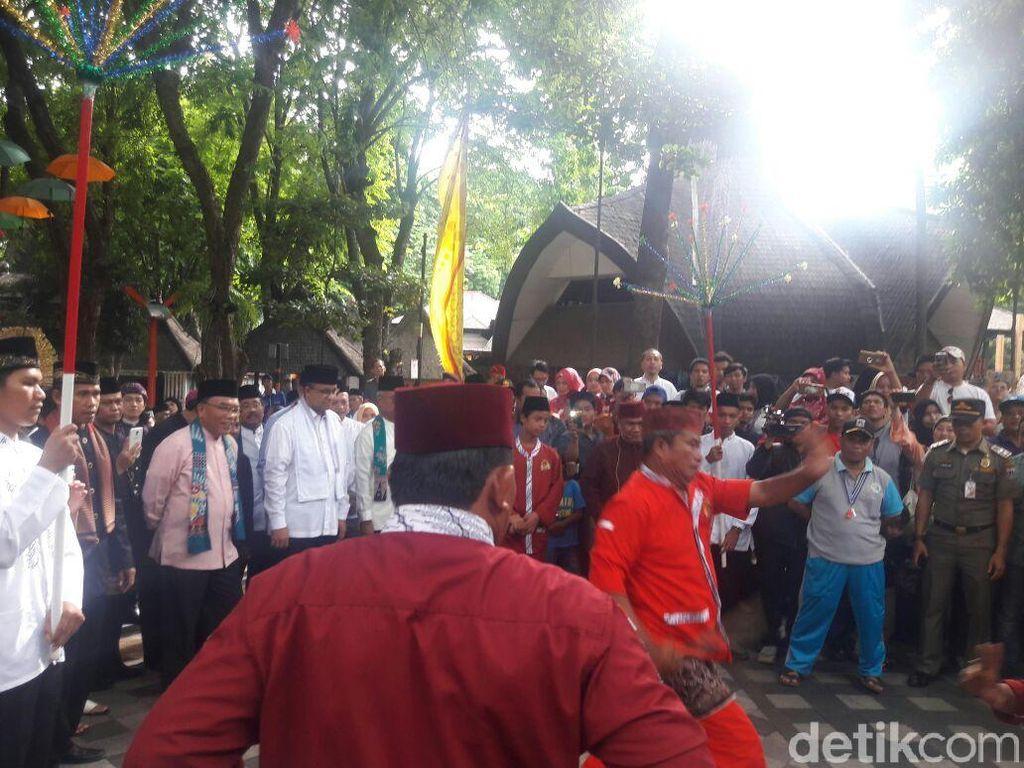 Didampingi Jawara, Anies Resmikan Sistem KJP Gratis Masuk Ancol