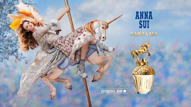 Anna Sui Rilis Parfum Berbentuk Unicorn Emas
