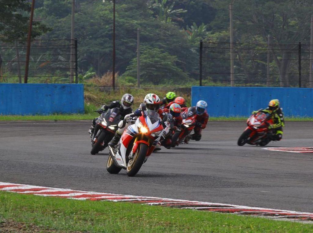 Honda Ajak Komunitas Balapan di Sirkuit Sentul