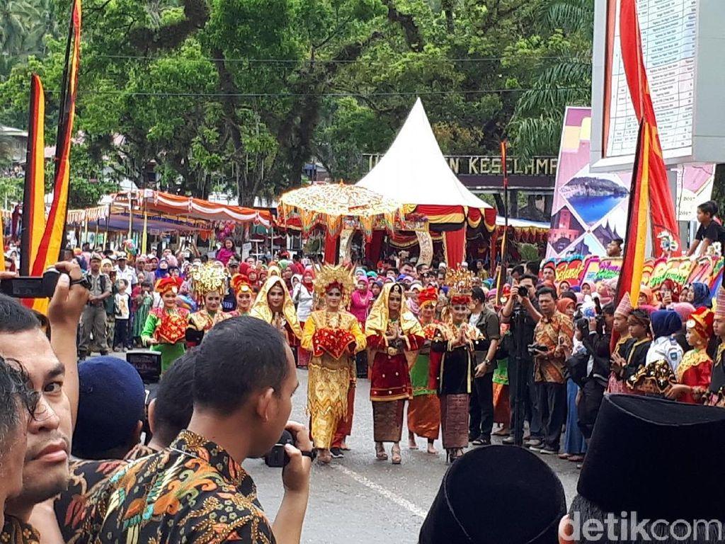 Ultah ke-129, Sawahlunto Gelar Parade Budaya Menarik