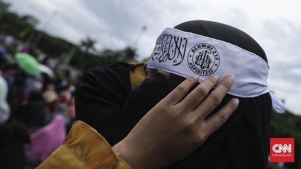 Usai Teror, Niqa Squad Usulkan Ganti Cadar Dengan Masker