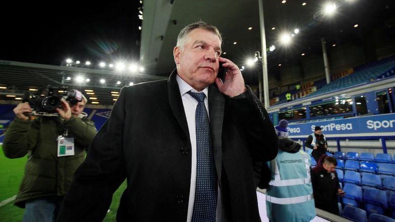 Manajer Baru Everton Resmi Di Sandang Allardyce