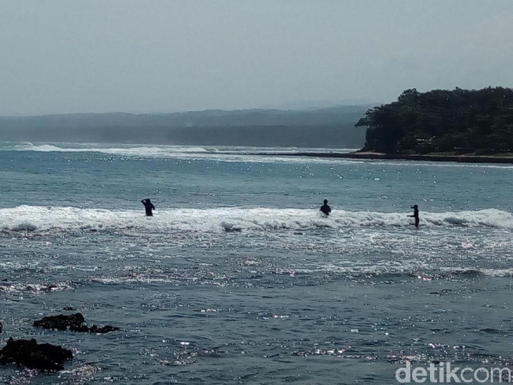 Cuaca Buruk, Wisatawan Diimbau Hindari Bibir Pantai Selatan Garut