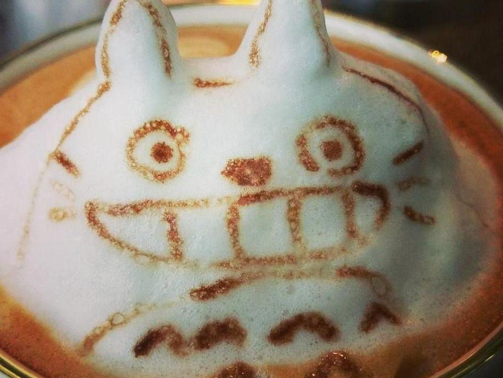 Sluurp! Bertemu Sinchan, Totoro dan Hamtaro Dalam Secangkir Cafe Latte
