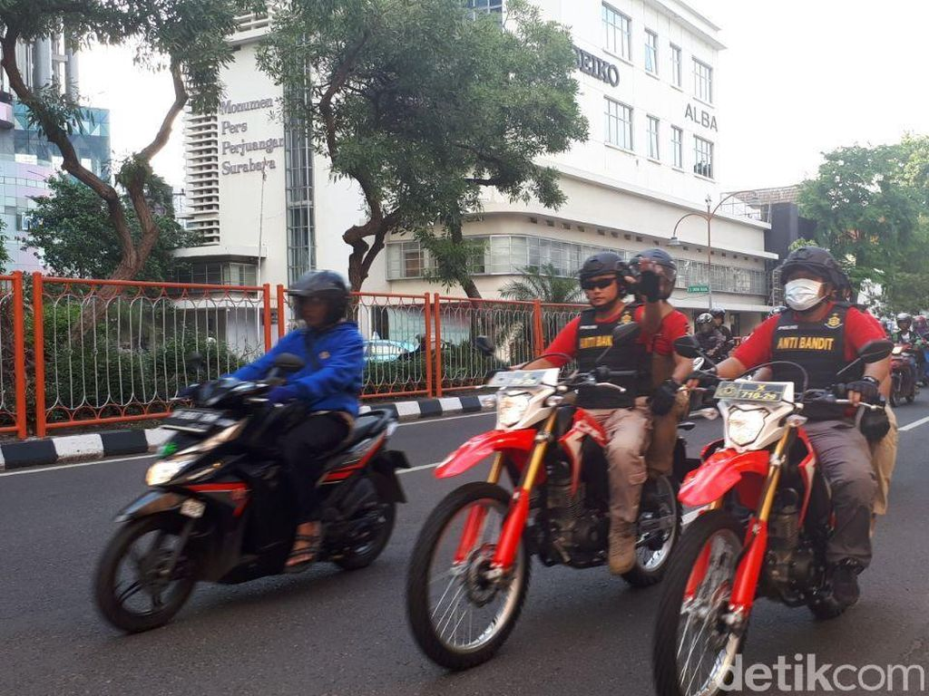 Kapolrestabes Surabaya Kombes Rudi Pimpin Patroli Tim Anti Bandit