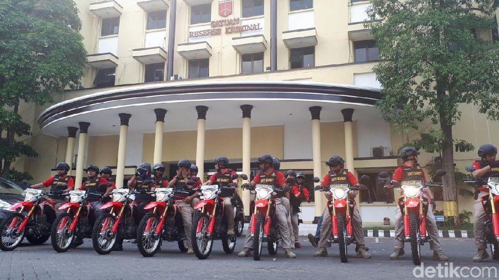 Foto: Ini Dia Tim Penumpas Penjahat Jalanan di Surabaya