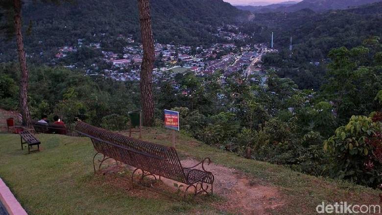 Panorama Kota Sawahlunto dari Puncak Cemara (Randy/detikTravel)