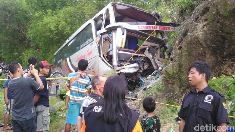 wisatawan-boyolali-kecelakaan-di-bantul-2-tewas-puluhan-luka