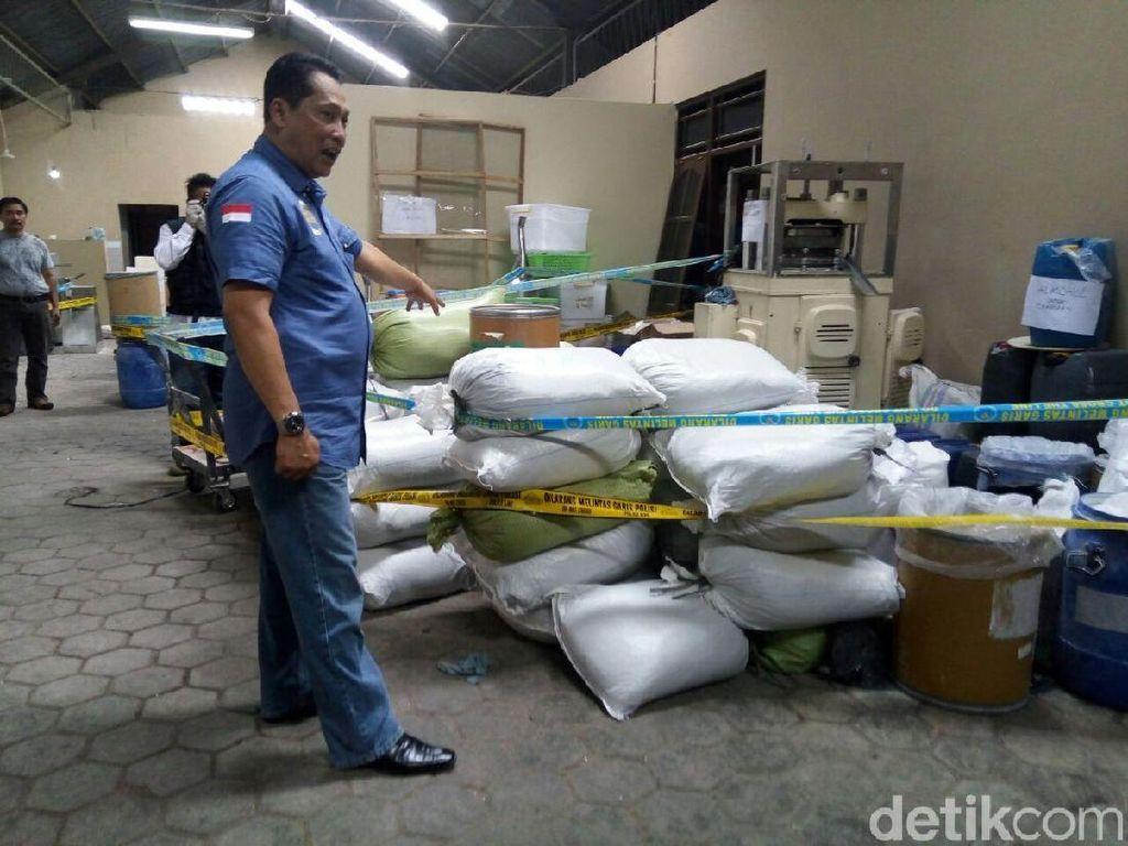 Pasca Penggerebekan Pabrik PCC, Apotek di Solo Disidak